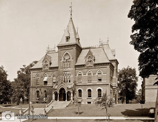 Public Library, Springfield Massachusetts, 1900's - Click Image to Close