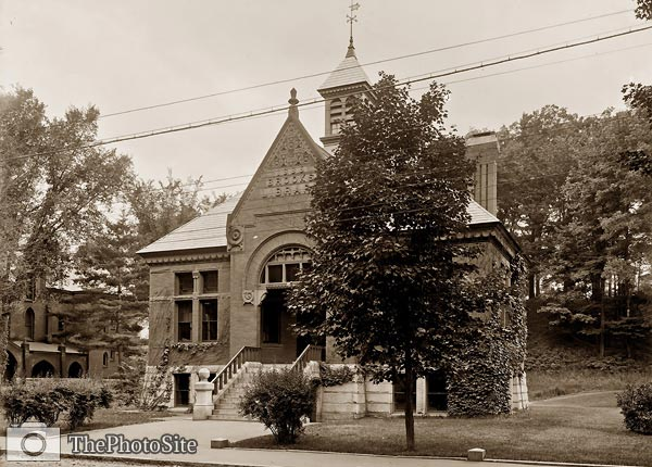 Brooks Library, Brattleboro Vermont 1905 - Click Image to Close