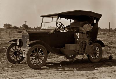 Thousands of families live on wheels. Bakersfield, California 19
